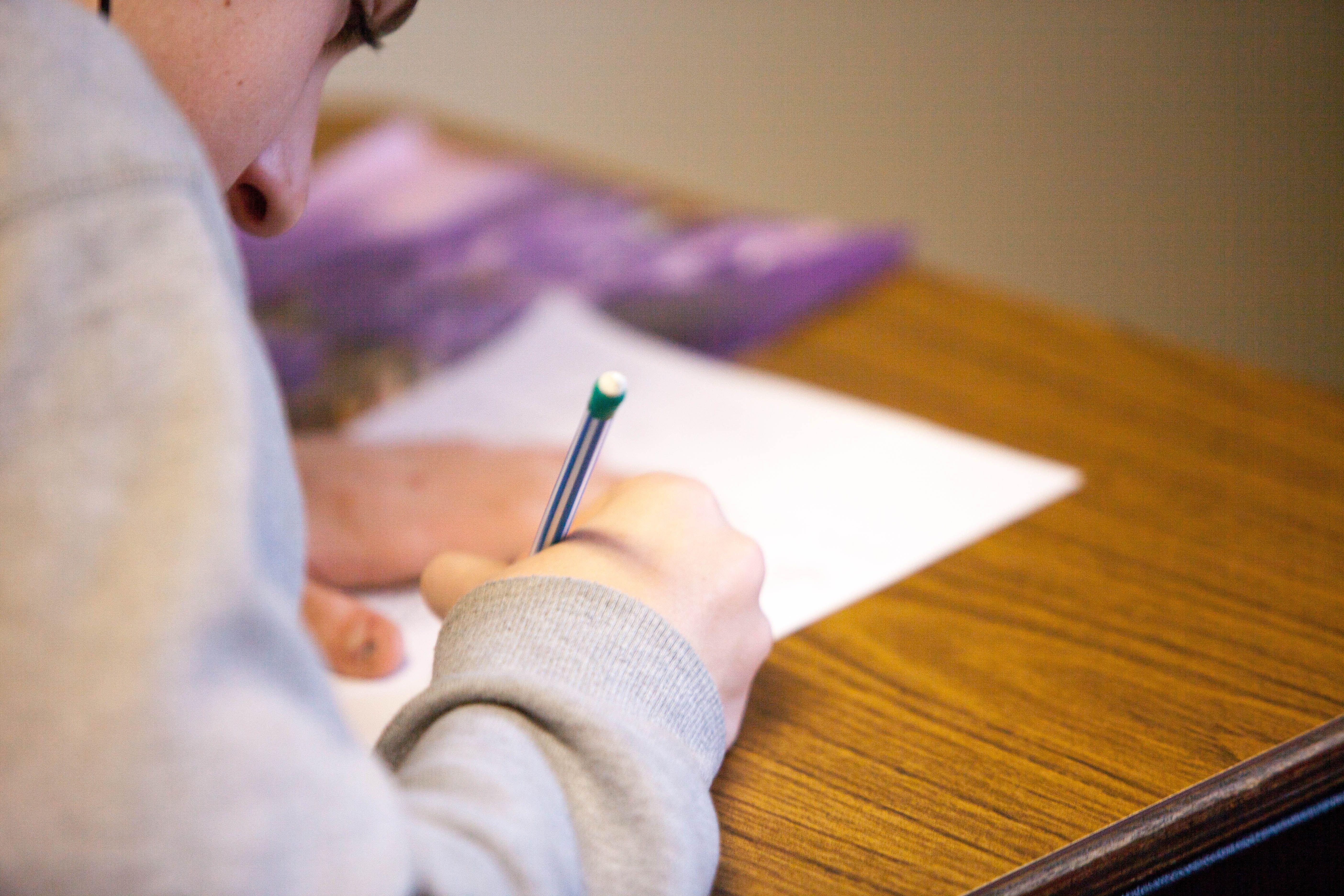 Подготовка к сдаче CAE онлайн в школе Скаенг