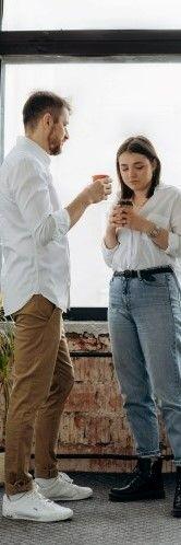 Картинка на которой парень с девушкой обсуждают глобальное потепление на английском языке